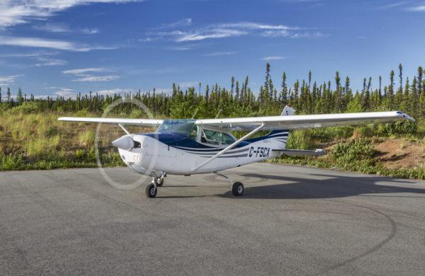 Cessna 182 au démarrage.